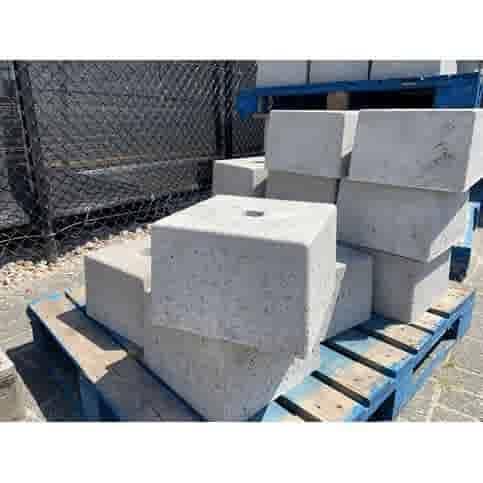 Prefab Betonpoer grijs 30x30x20 cm met gat 4 cm