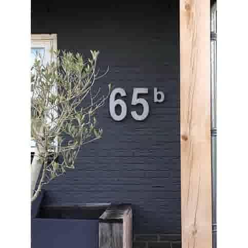 Betonnen huisnummer 6 GROOT