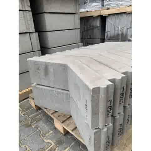 Opsluitband hoekstuk grijs 10x20x40/40 135°