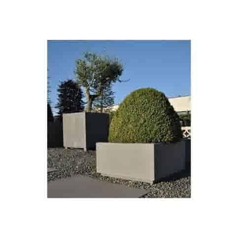 Betonnen bloembakken vierkant XL met voet
